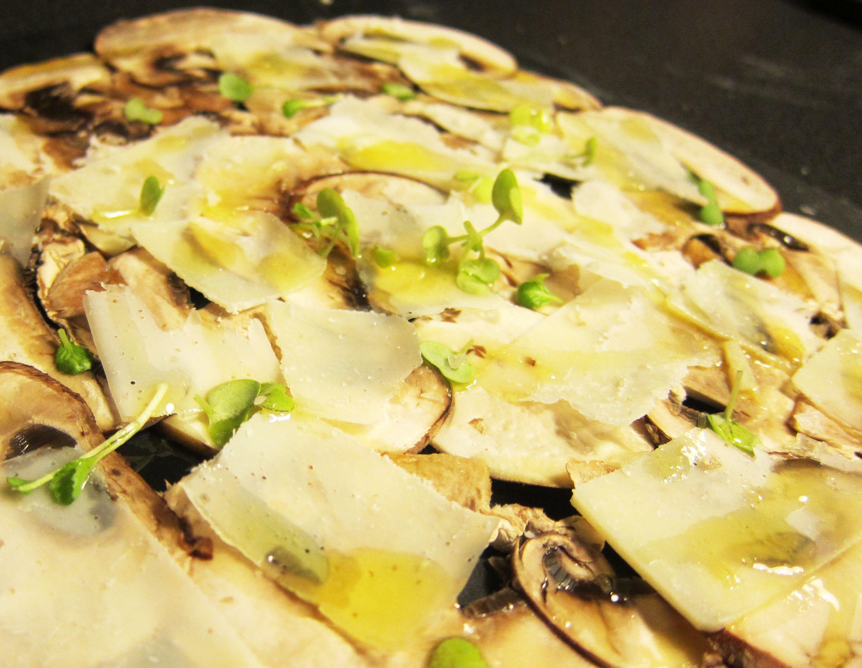 Carpaccio De Portobello Con Parmesano Mustard Cress Y Aceite De Trufa Blanca Food Bread Matzo
