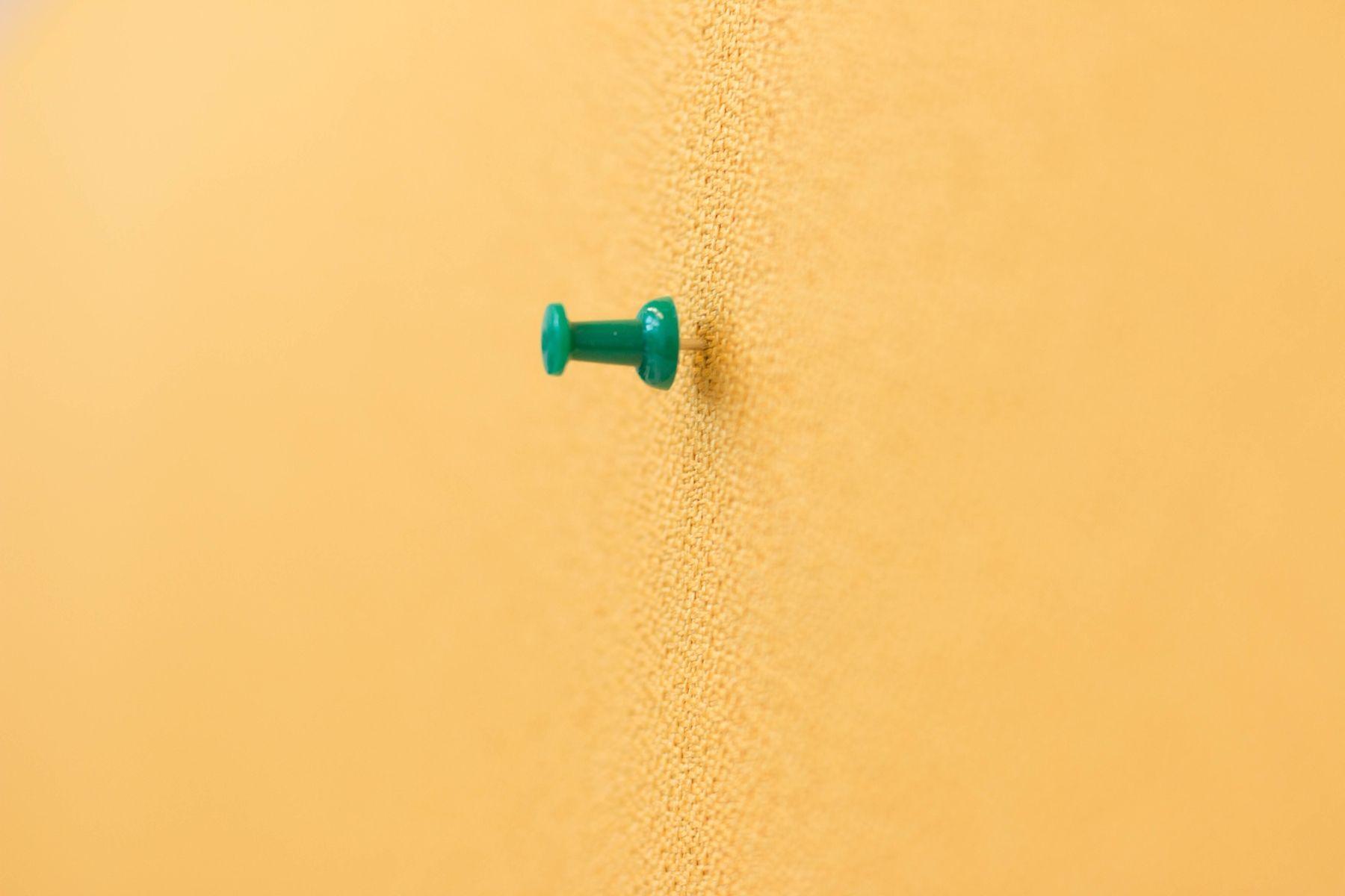 Detailaufnahme der Stoffbespannung http://www.bueromoebel-experte.de ...
