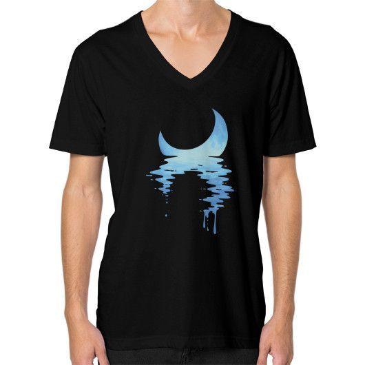 Moonset 18 V-Neck (on man)