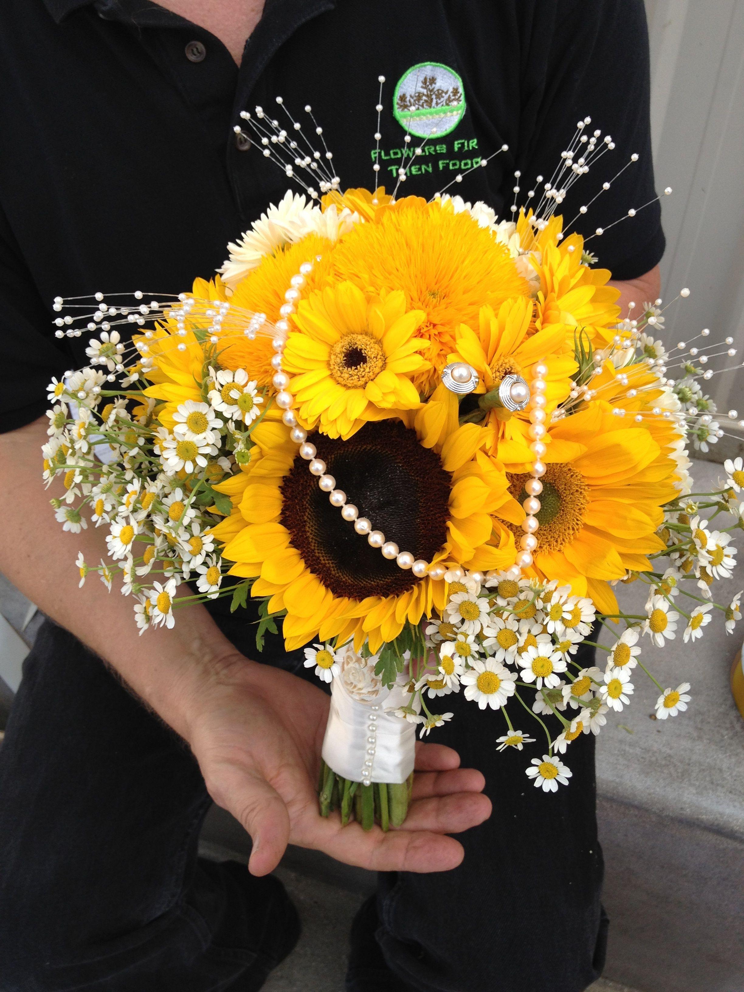 Flowers By Sam » Sunflower Bouquet a wedding bouquet for