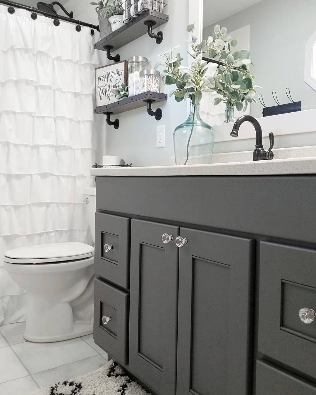Chelsea On Instagram Hello Friends Hope You Had A Good Tuesday I M Just Over Here Painting Away Small Bathroom Bathtub Makeover Best Bathroom Vanities