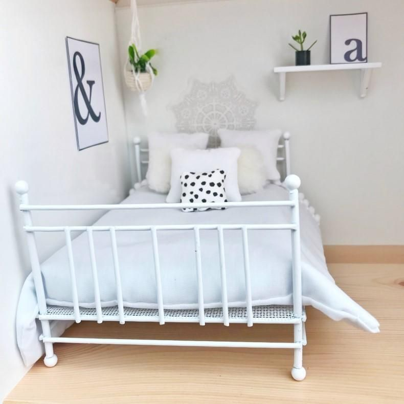 Best Beautiful White Wire Double Bed Comes With Off White 400 x 300
