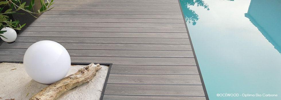 Une terrasse en bois composite couleur sable avec les lames Optima