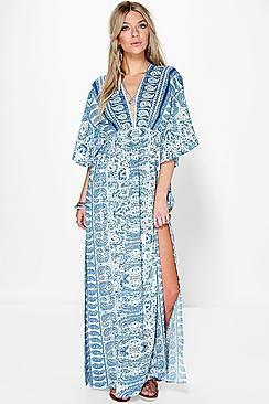 295fe45280e3 Margret Blue Paisley Kimono Maxi Dress. Para esta nueva temporada, atrévete  a combinar las prendas de abrigo con vestidos de día sencillosTu armario  para ...