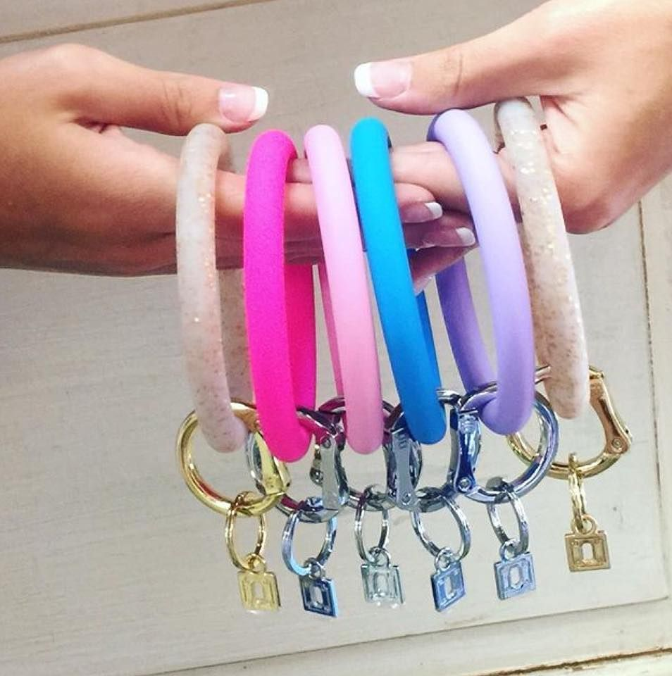 84eddf7632 SilicOne Big O Key Rings by O-Venture! Affordable gifts fOr wOmen at Only  $25, and comes in sOOO many colOrs! o-venture.com