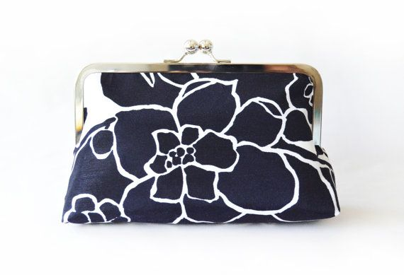 personalize clutch with outer pattern