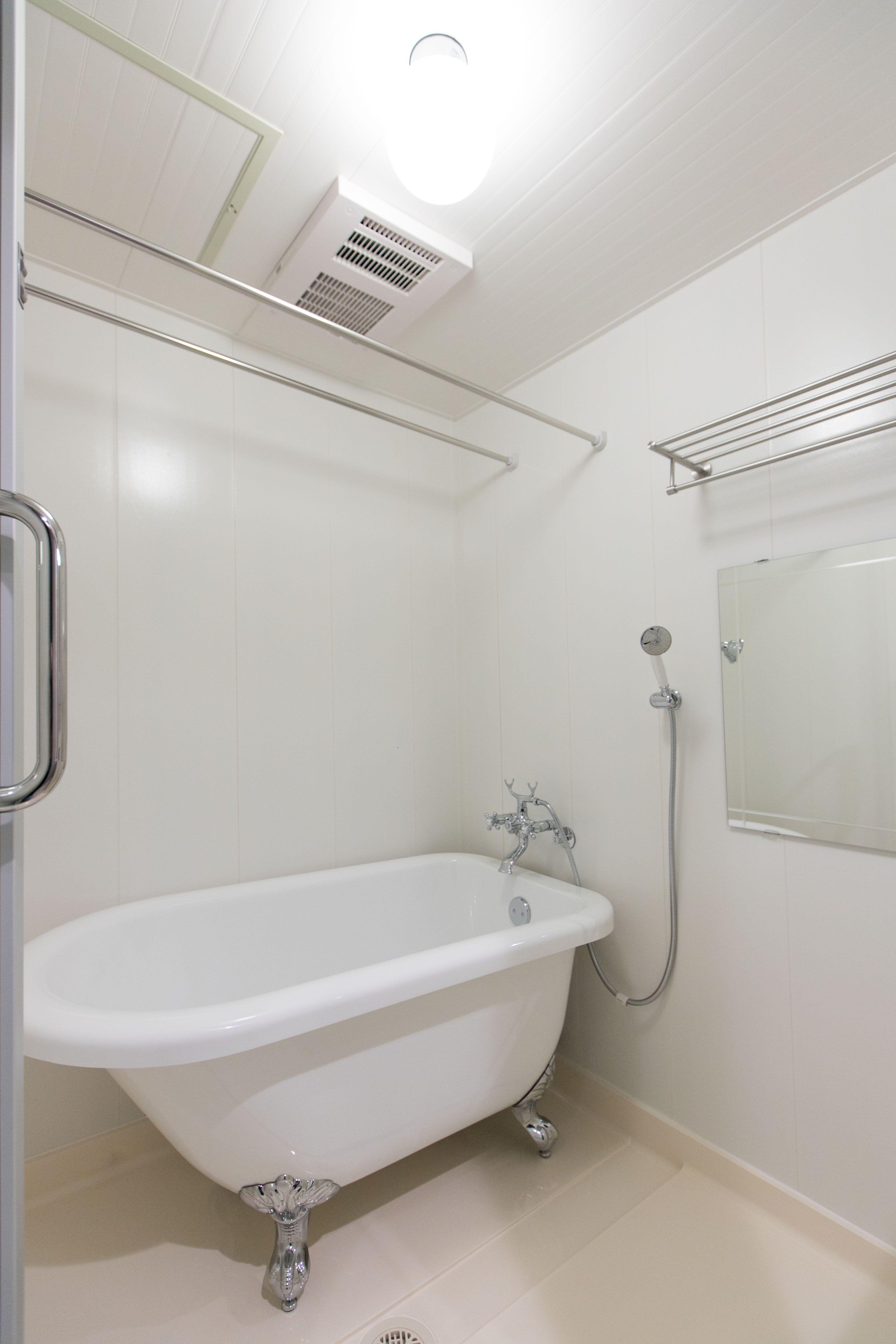 浴室は猫足で可愛いバスタブに 女性は誰でも憧れるカワイイバスタブになりました 猫足 浴室 猫足バスタブ ねこあし リノベーション 横浜リノベーション 猫足バスタブ 浴室リフォーム ラグジュアリーなバスルーム