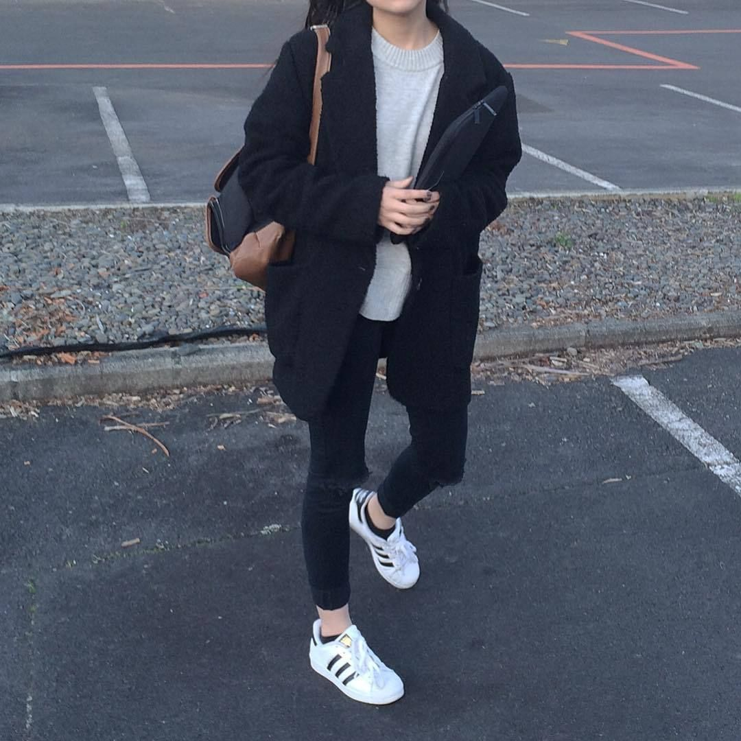 addome di spessore Interruzione  Milk and Cookies : Photo | Adidas superstar outfit, Superstar outfit,  Hoodie fashion