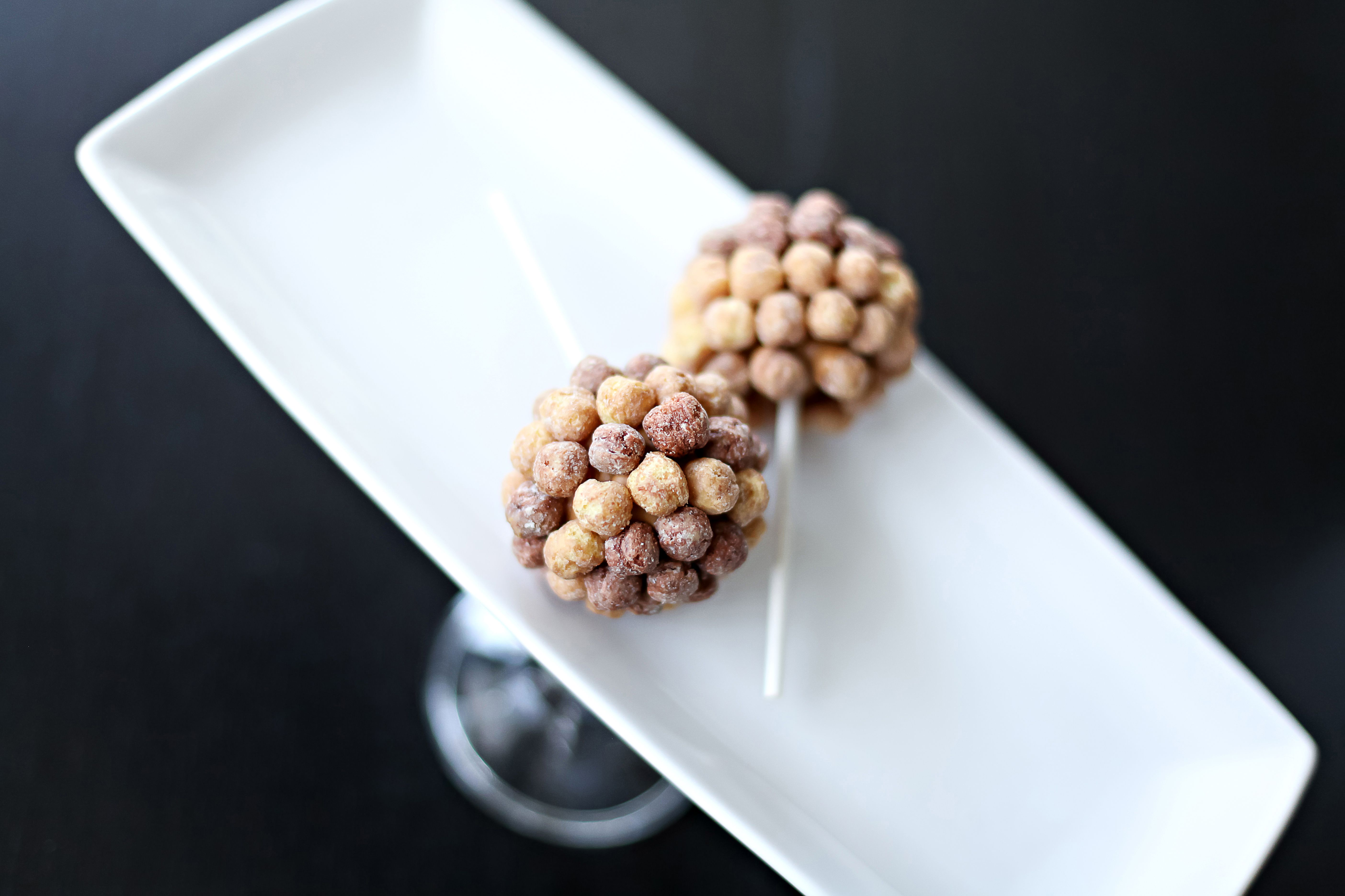 Reese's Puffs Cake Pops  ©Jessica Liane Photography