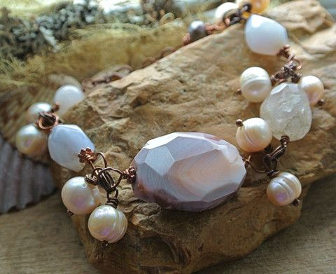 Pearl and Natural Stone Wire Wrapped Bracelet #pearl #jewelry #agate #wirewrapped #bracelet #thewhimsicaloffshoot