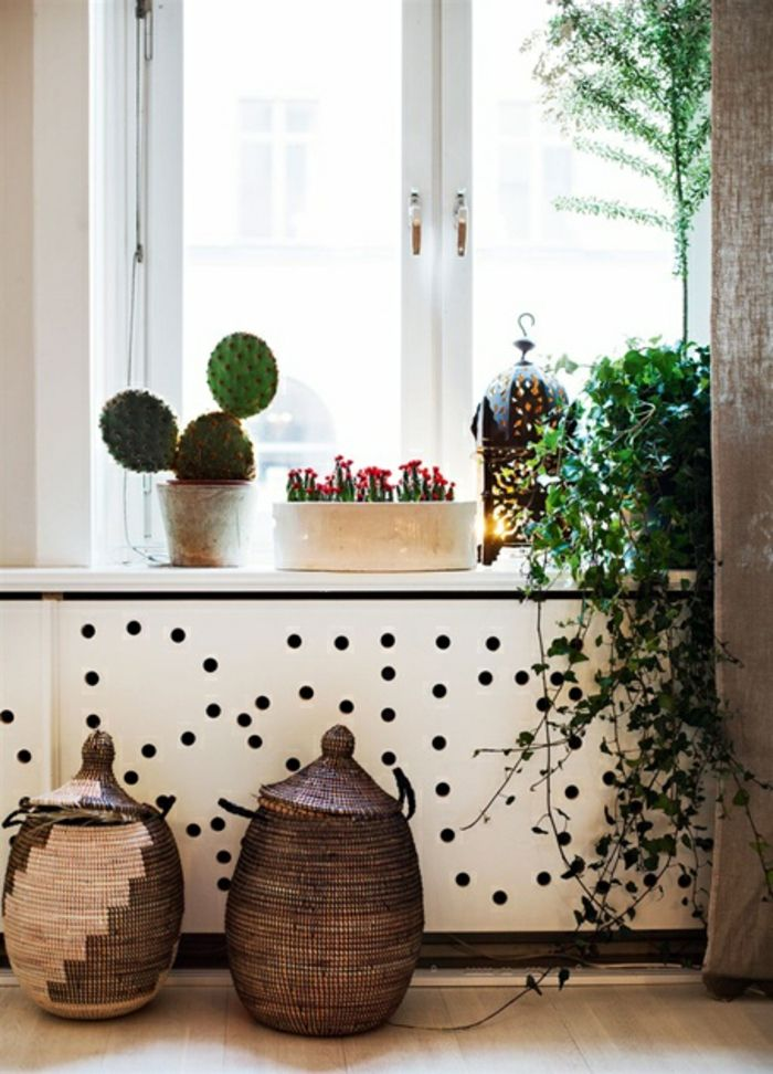 Heizkörperverkleidung Wohnzimmer Dekoration Weiße Platte Gelöchert  Geflochtene Körbe