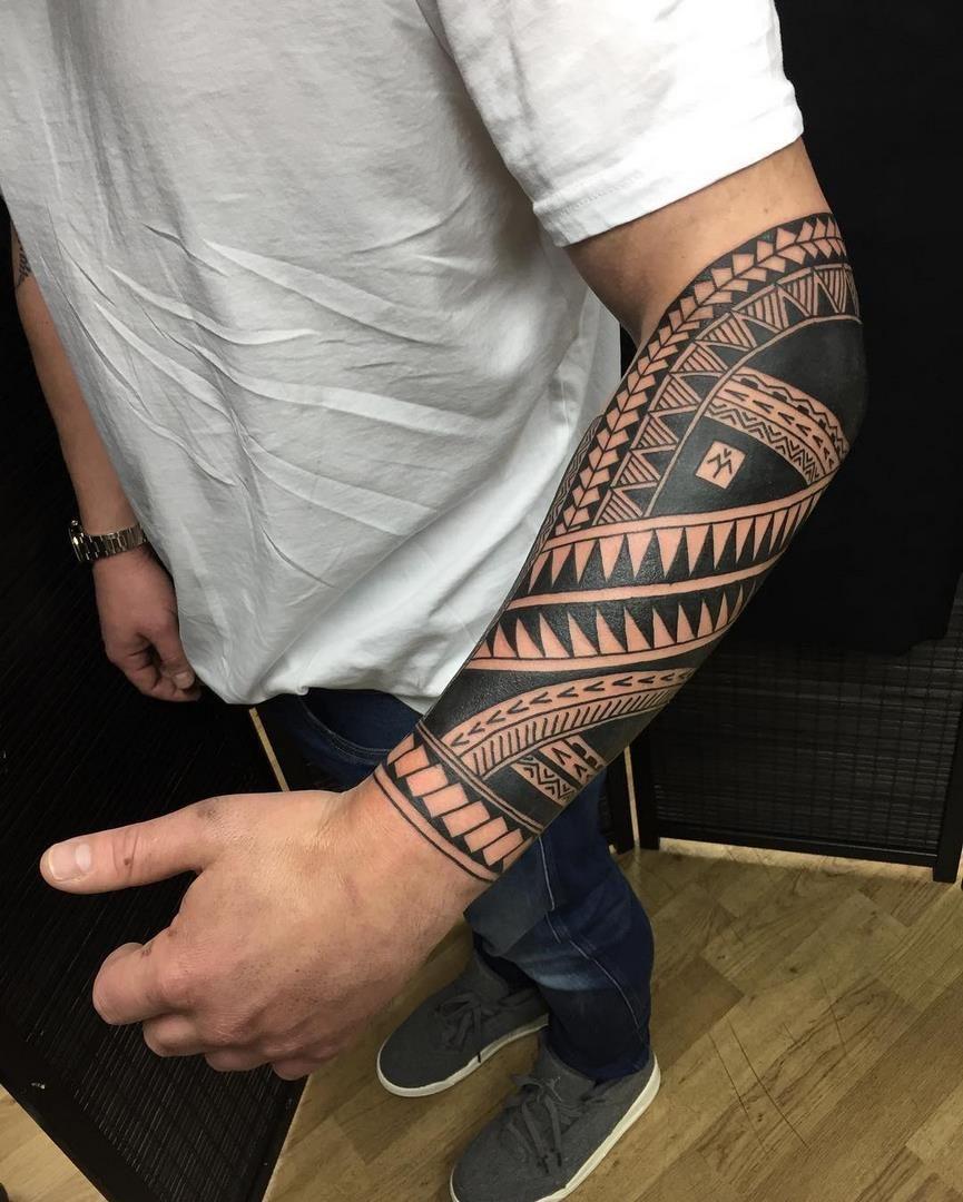 Tatuajes En El Antebrazo Para Hombres Ideas Que La Rompen En El Mundo Tattoo Tatuaje Maori Antebrazo Tatuaje Polinesio Tatuaje Brazalete Tribal