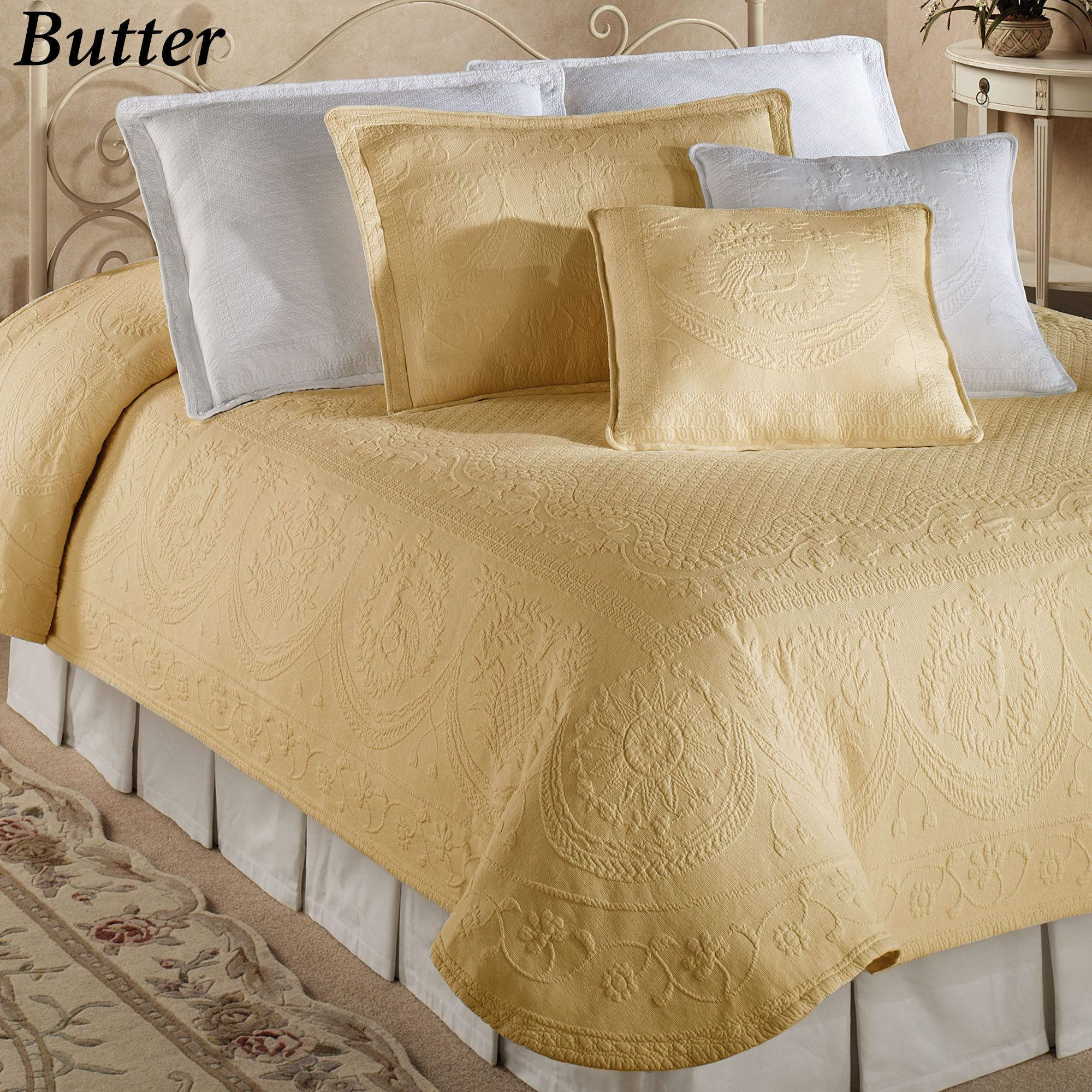 Superb King Charles Matelasse Coverlet Bedding