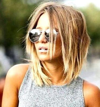 25 Women Summer Hairstyles Ideas for Medium Hair #WOMENHAIRSTYLES #WOMENMEDIUMHAIRSTYLES #WOMENSUMMERHAIRSTYLES #frisuren mittellanges haar #Hair #Hairstyles #hairstyles medium #Ideas #medium #medium hair #mittellanges haar #Summer #Women
