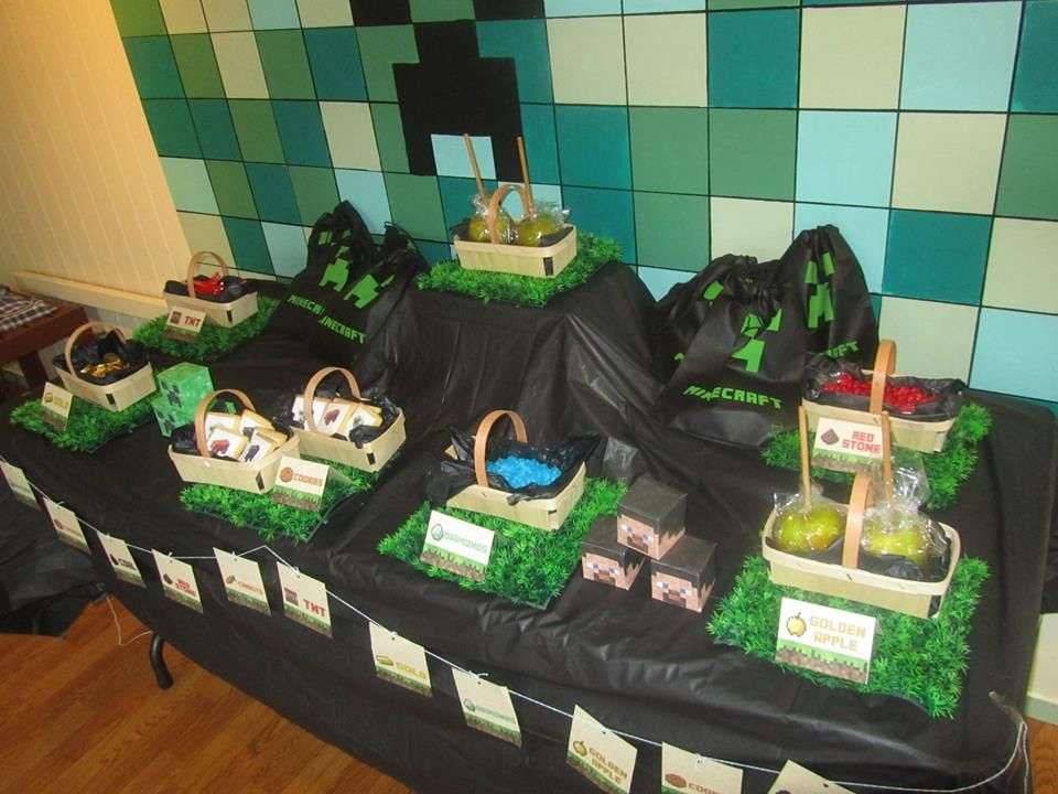 Minecraft food buffet for 8 year old birthday party Minecraft