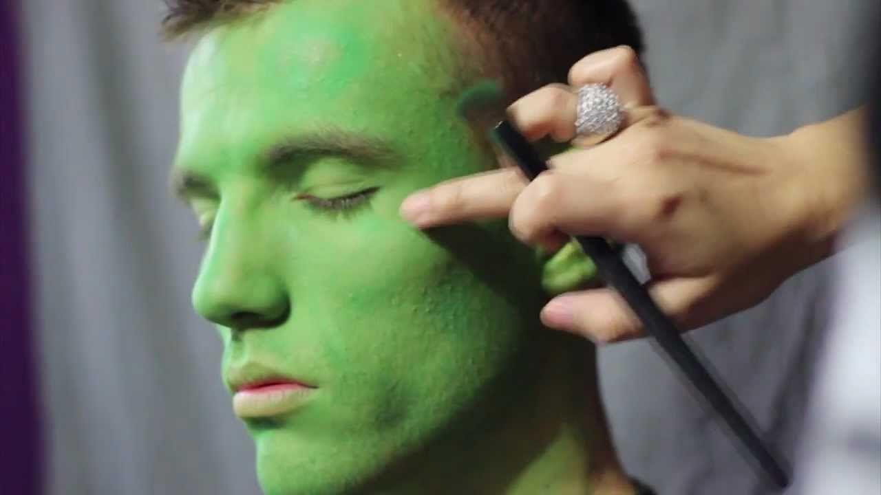 Makeup Tutorial Inspired By The Incredible Hulk Hulk Costume Superhero Halloween Incredible Hulk Costume