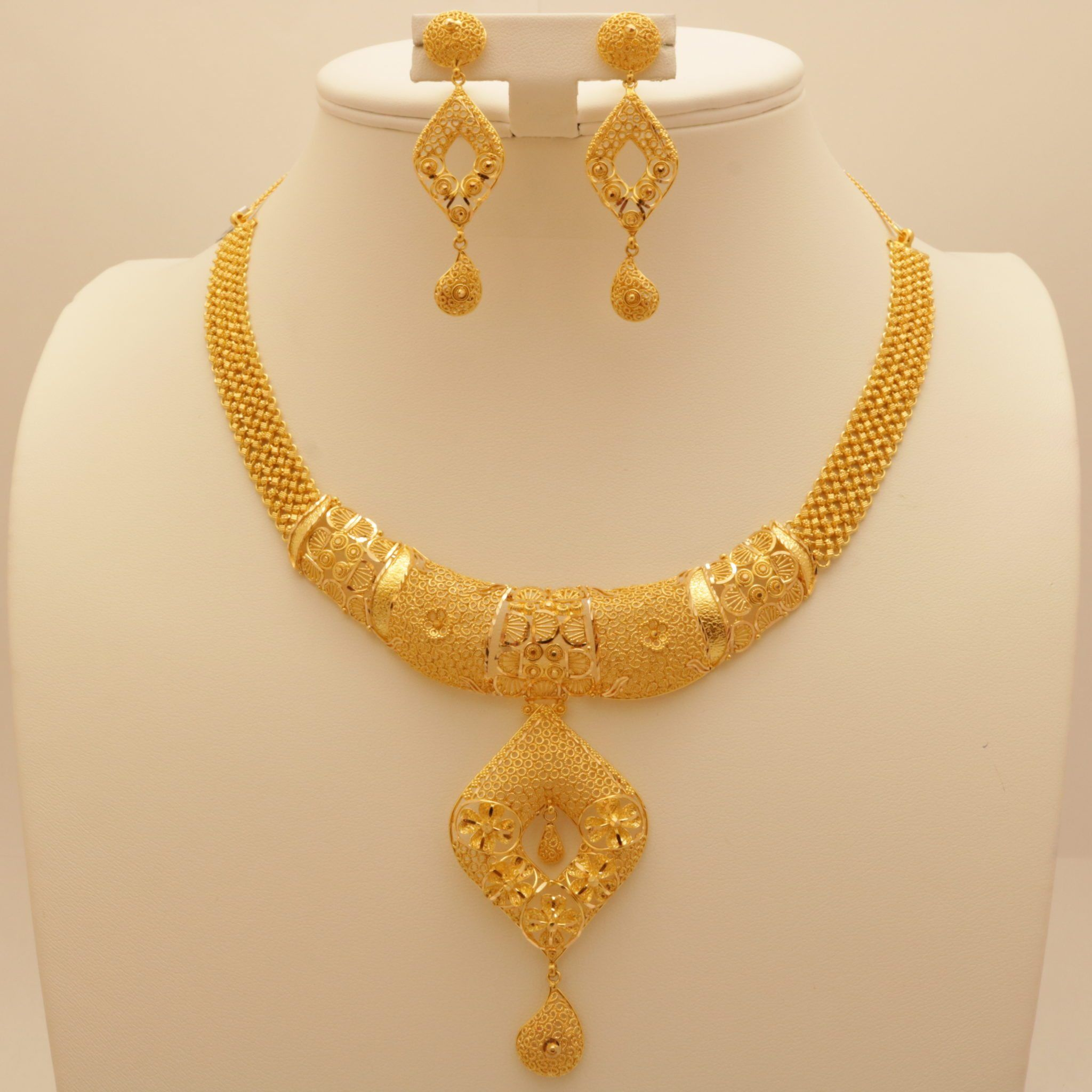 Ns0051front Jpg 2048 2048 Gold Necklace Designs Gold Necklace Set Pure Gold Jewellery