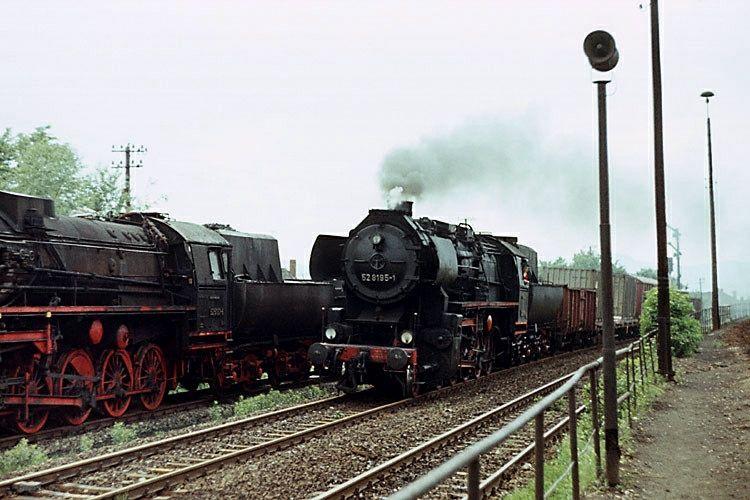 https://flic.kr/p/onmkiY   Bahnhof Zittau 1991