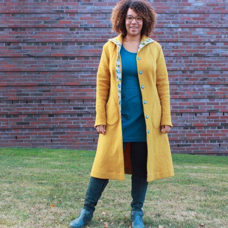 Der Stadtmantel, designed by Lindy Stokes, ist ein Mantel