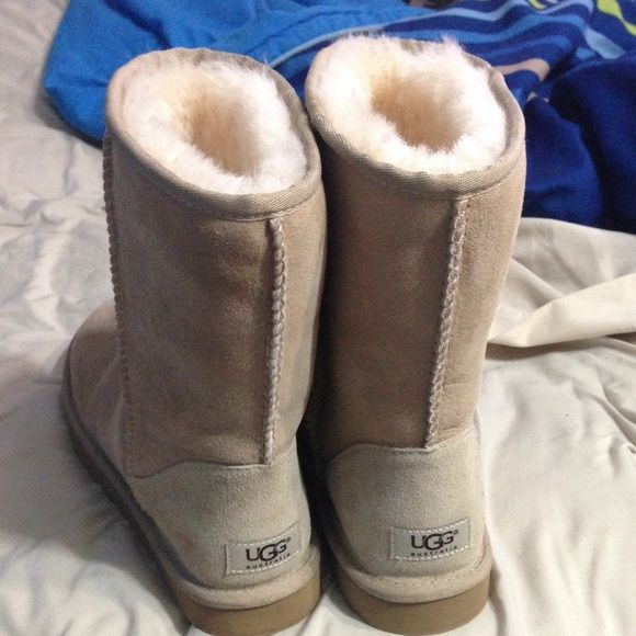 Short Ugg Boots Classic short Ugg boots in the color sand. Worn only once!