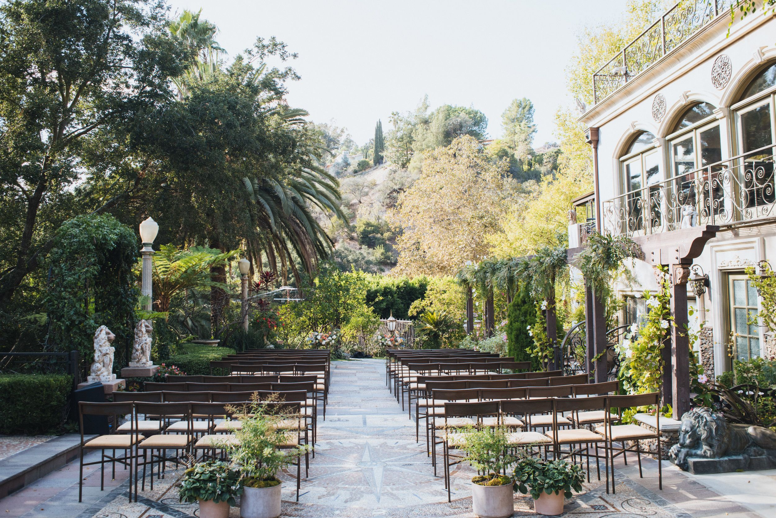 Wedding Ceremony At The Houdini Estate Houdini Mansion Wedding Art Soul Events R Wedding Los Angeles Wedding Venue Los Angeles Outdoor Wedding Inspiration