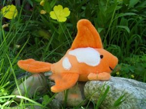 """ Goldeen"" the goldfish free pattern and instructions"