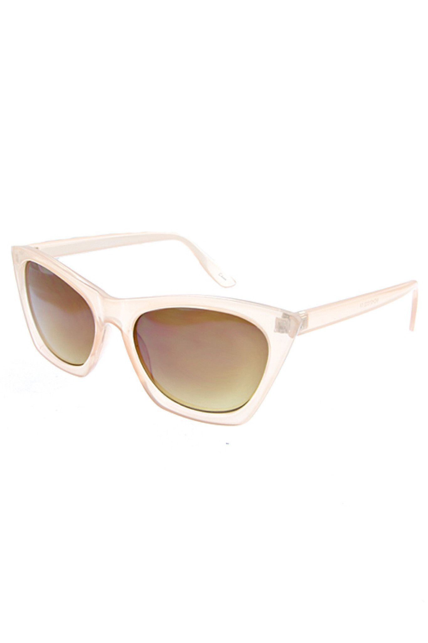 Retro Frame Sunglasses in Two Colors | TRAITS