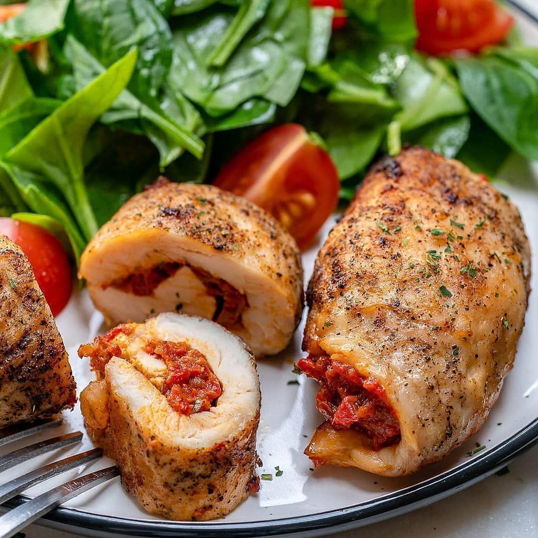 Eines Der Köstlichen Und Gebackenen Hühnchengerichte Ist