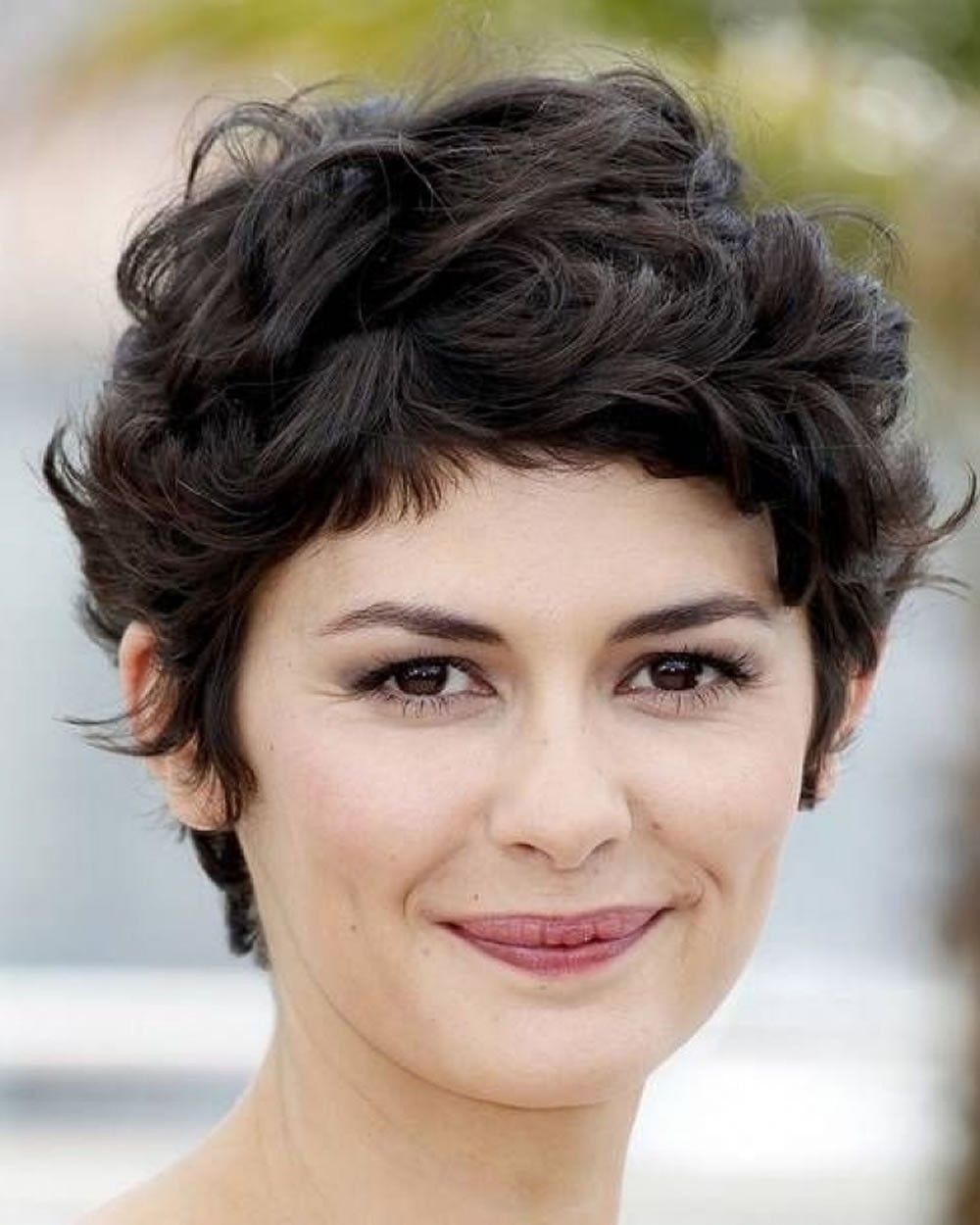 Image result for short hairstyles for round faces 12  Curly