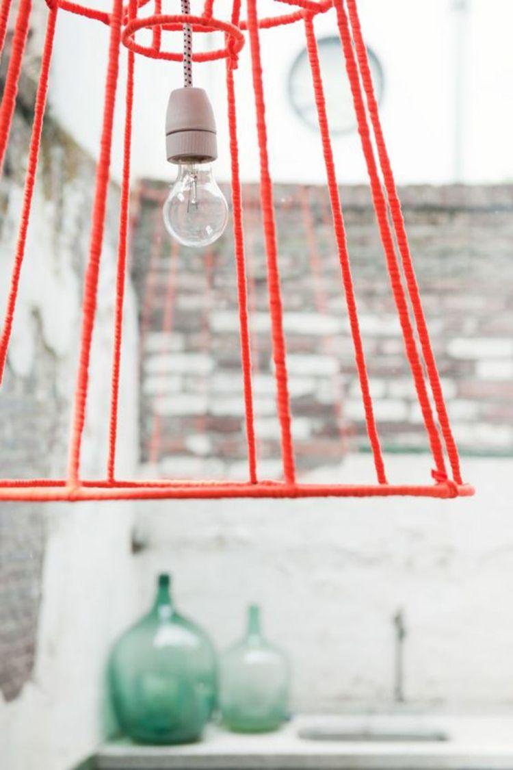 einen alten Lampenschirm neu gestalten Metallgestell verschönern ...