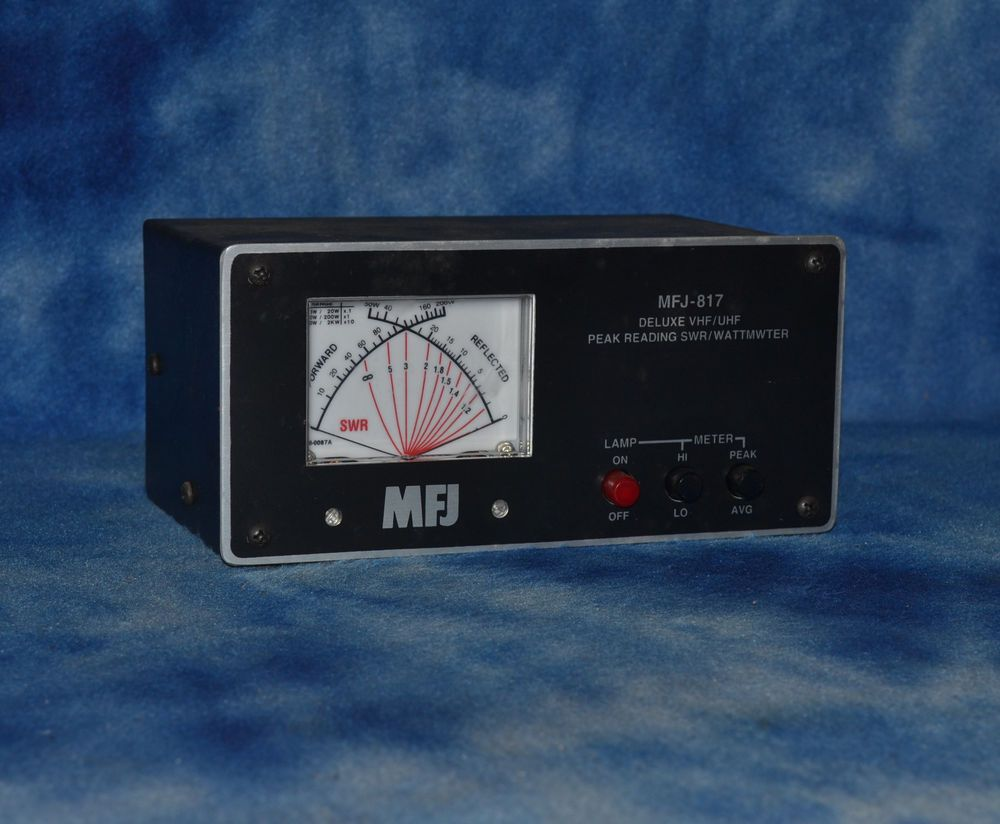 MFJ-817 VHF UHF 2M 220 440 Cross Needle Peak & Avg Lighted