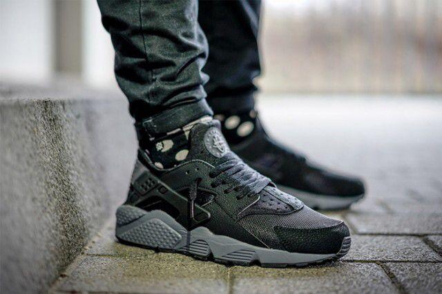 NIKE AIR HUARACHE (BLACK/DARK GREY) - Sneaker Freaker | Nike ...