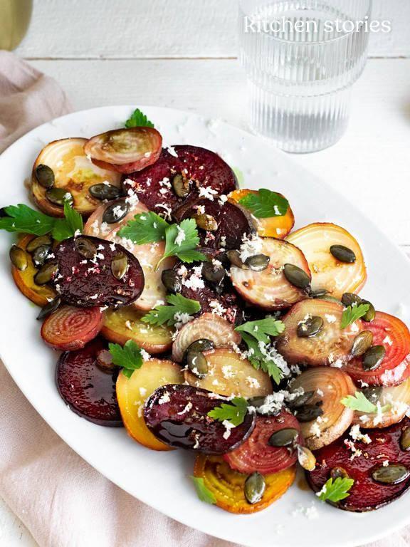 Gerösteter Bunte-Bete-Salat mit Meerrettich und Kürbiskernen | Kitchen Stories Rezept