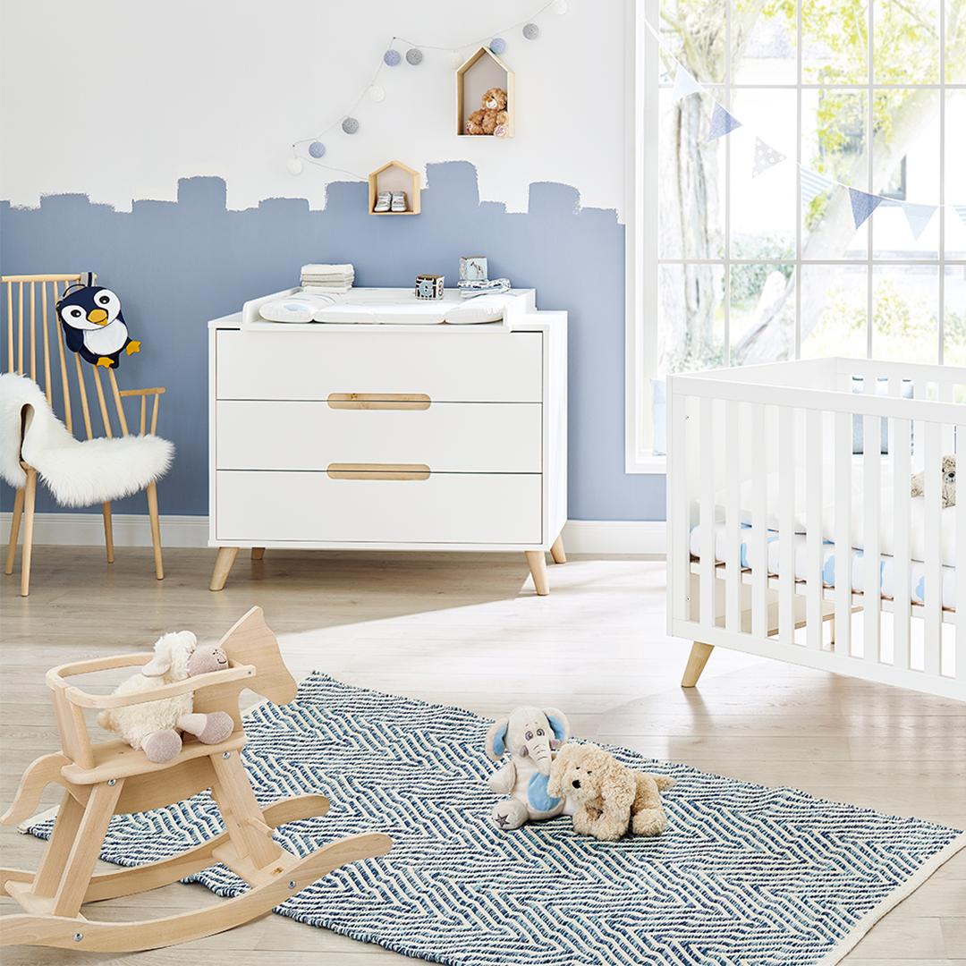2-teiliges Babyzimmer bestehend aus Kinderbett mit ...