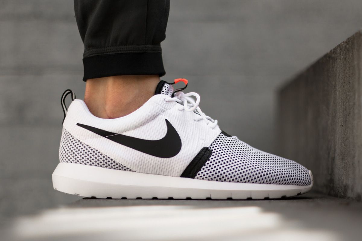 mens nike roshe run triangle all grey