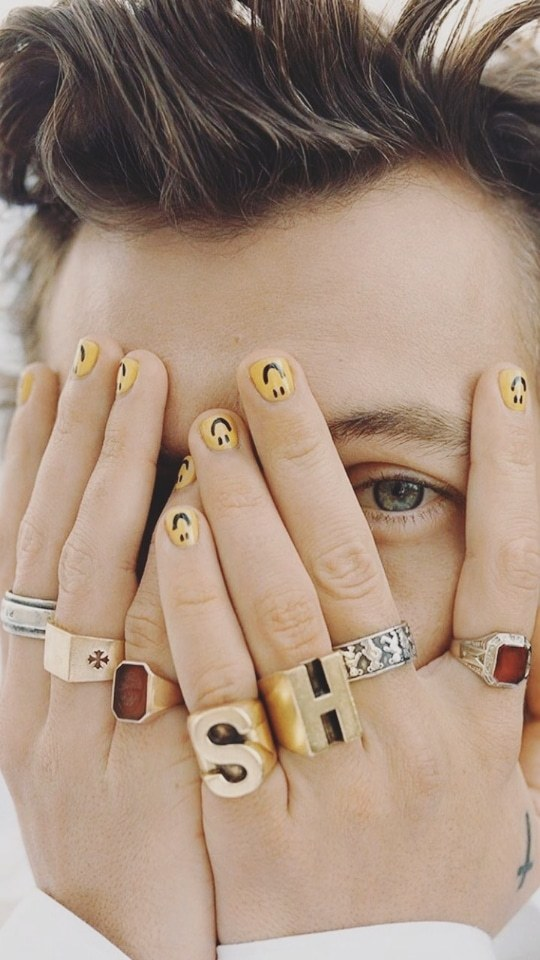 Harry Styles Nails Discover Harry Styles Lockscreen On Tumblr 99 Harry Styles Lockscreen Tumblr In 2020 Fashion Nails Bride Nails Minimalist Nails
