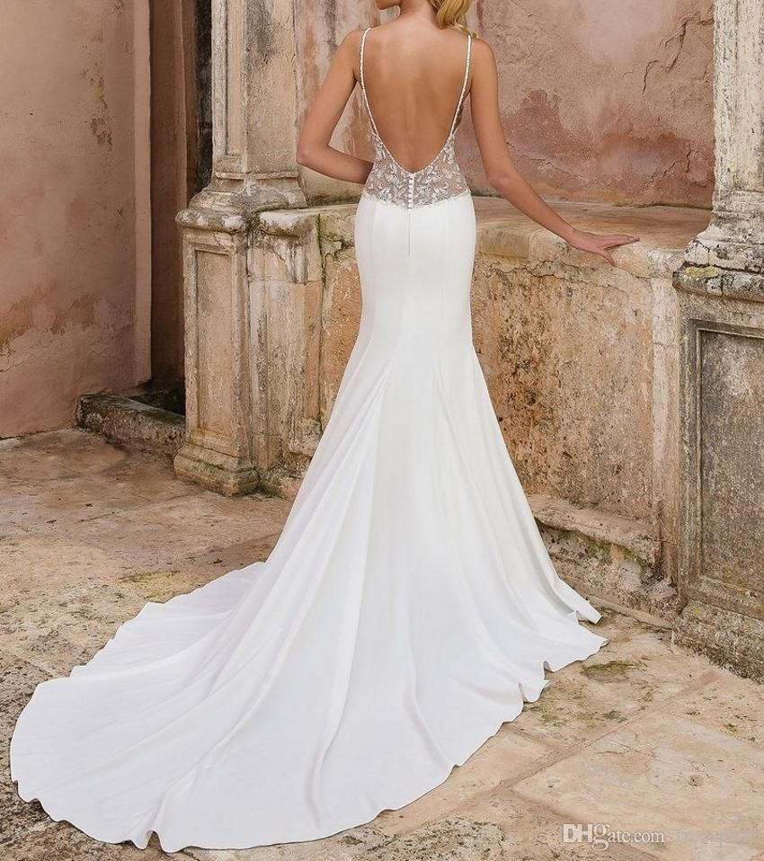 Real Brides Fit And Flare: Modest Mermaid Wedding Dress 2018 For Bride Fit And Flare