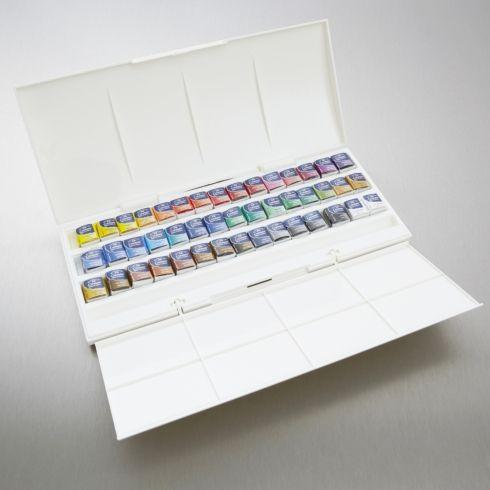 Winsor Newton Cotman Watercolour Studio Set Of 45 Half Pan