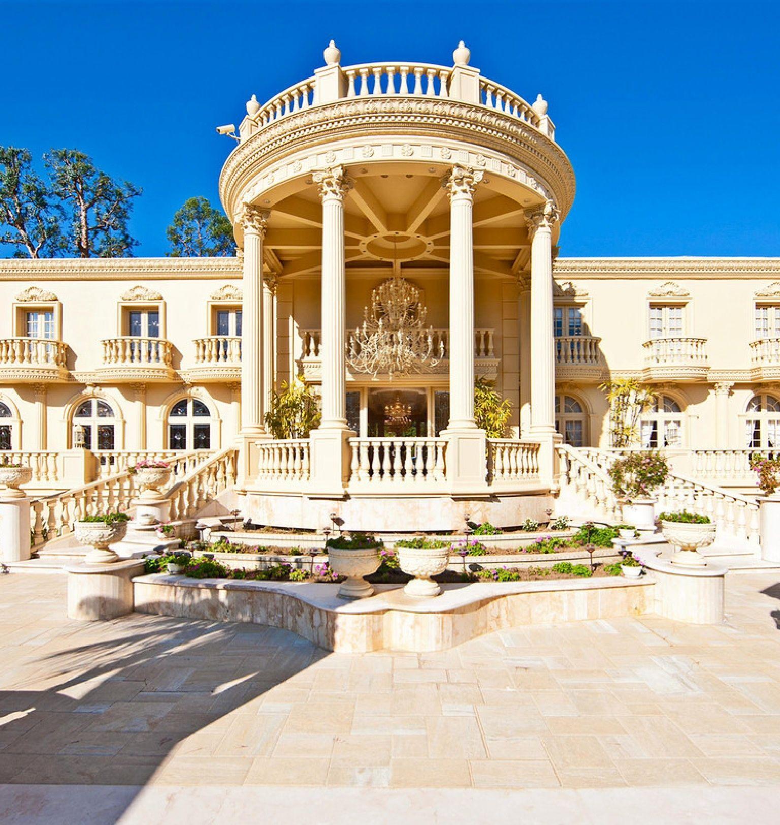Multi Million Dollar House Property Backyard Luxurious Home