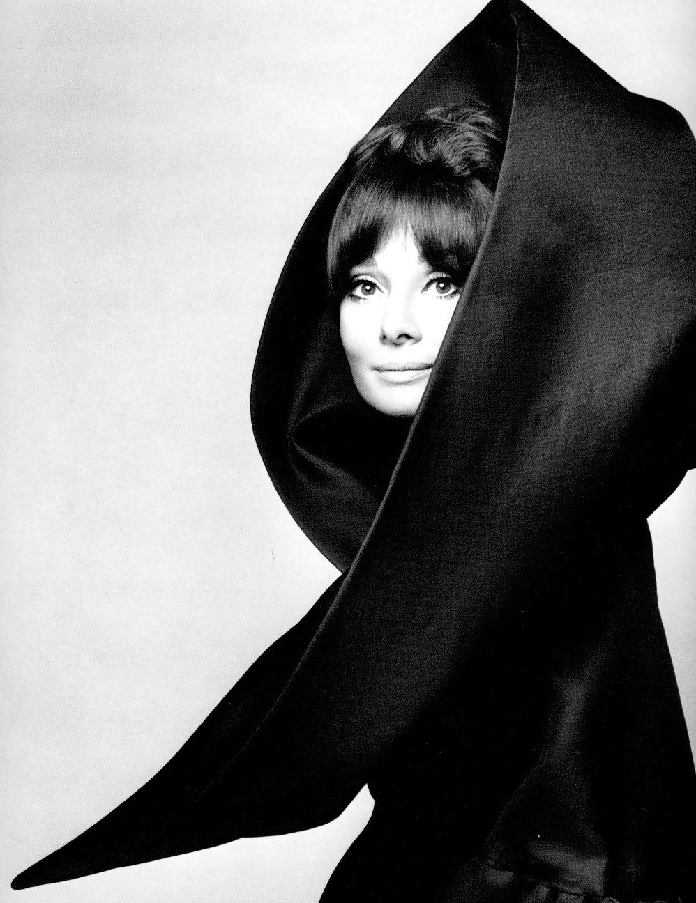 Audrey Hepburn in Valentino, Vogue Italia, 1969. Photo by Gian Paolo Barbieri. S) #FunOnTheGo