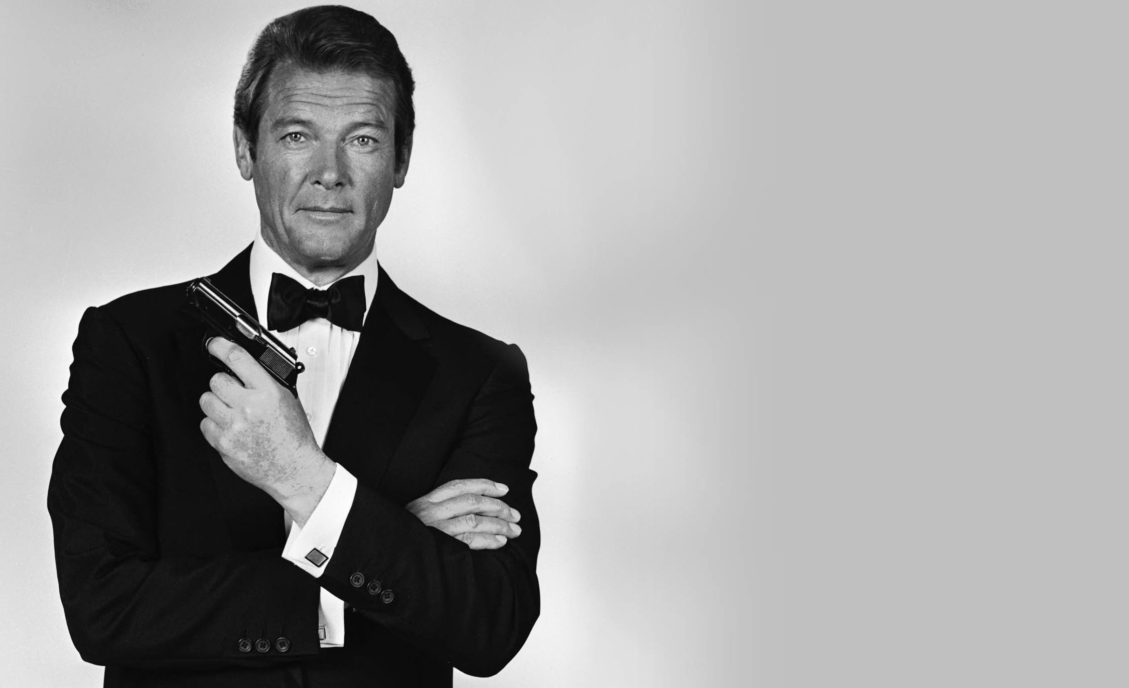 james bond roger moore - photo #12