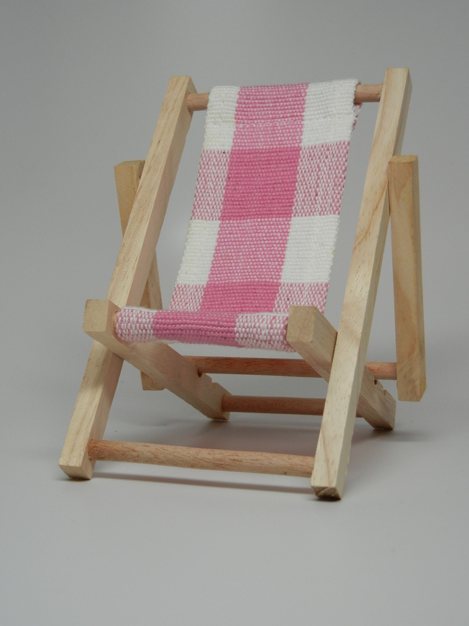 Perfect Beach Chairs Wood High Chair For Sale Iphone Cell Phone Holder Office