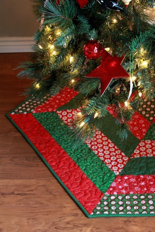 7 name quilting holly jolly christmas tree skirt pattern - Quilted Christmas Tree Skirt Pattern
