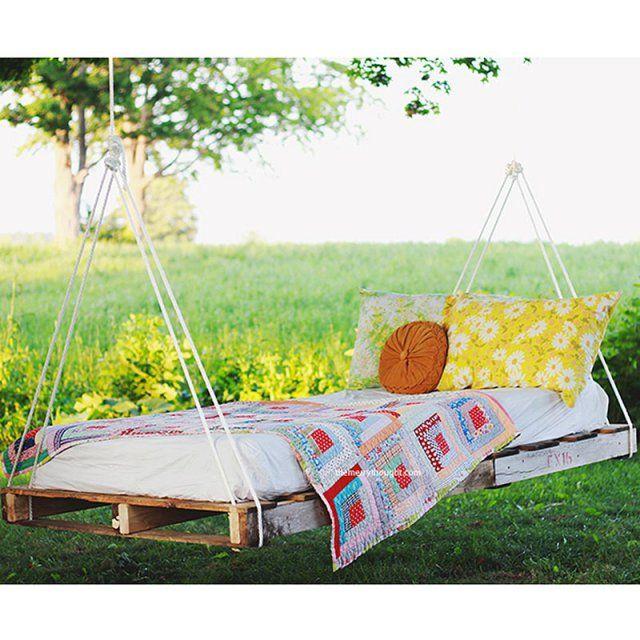 un lit suspendu diy jardin suspendu pinterest pergolas and room. Black Bedroom Furniture Sets. Home Design Ideas