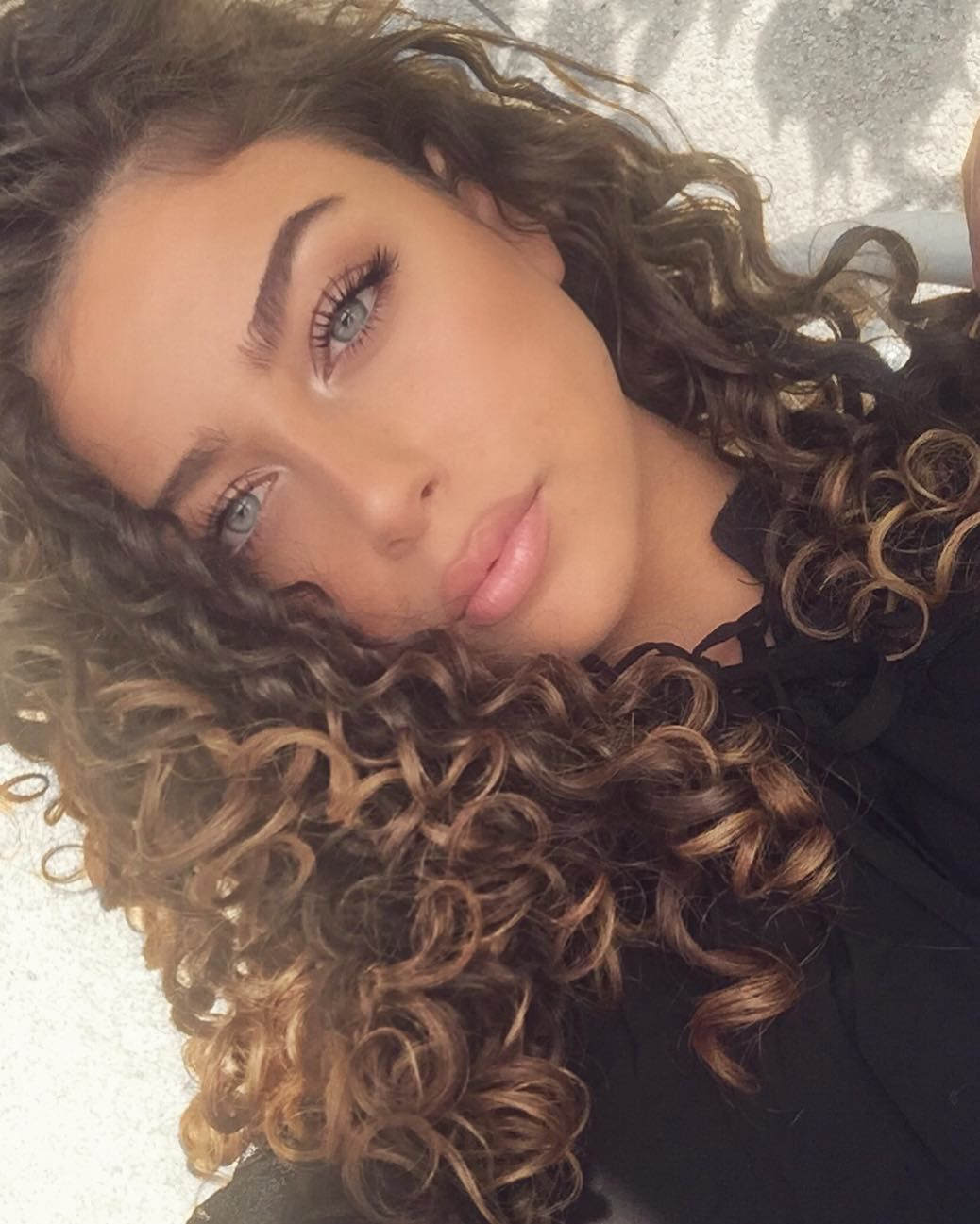 Fantastic Long Curly Hairstyles Haircuts For Women In 2019 Frizzy Curly Hair Long Hair Styles Beautiful Curly Hair