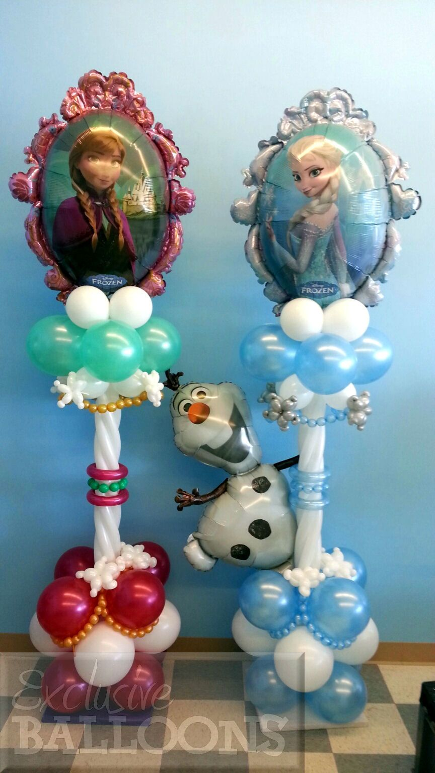 Frozen theme columns balloon decorations pinterest for Balloon decoration instructions