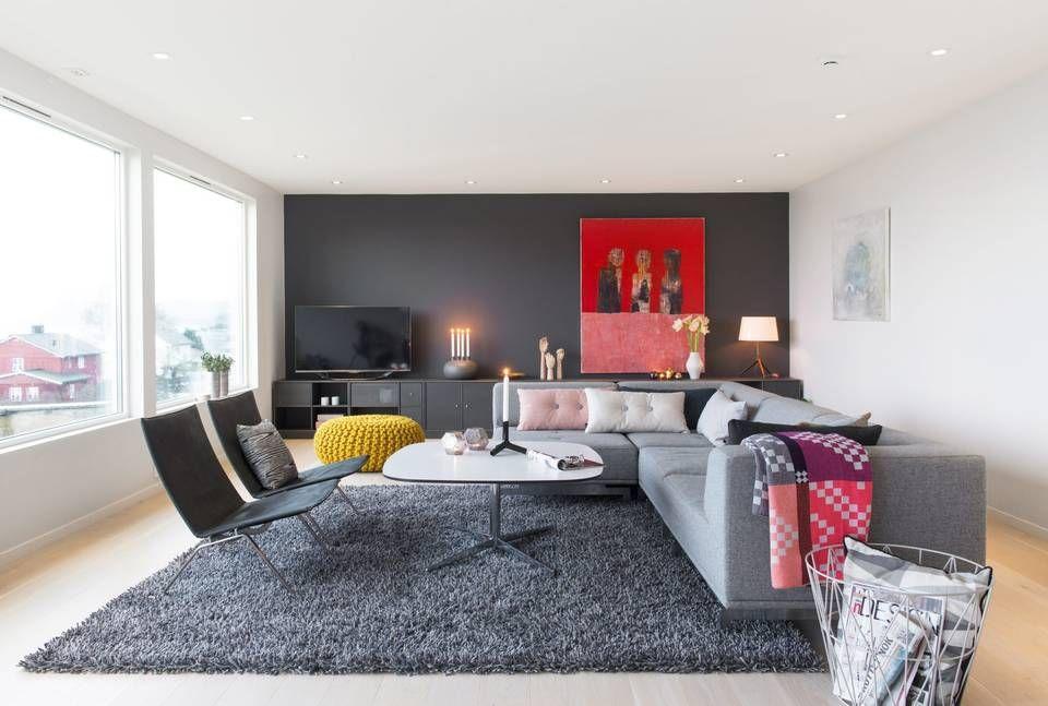 Ny stue: sofa fra erik jørgensen, montana reol i farge 36 coal, og ...