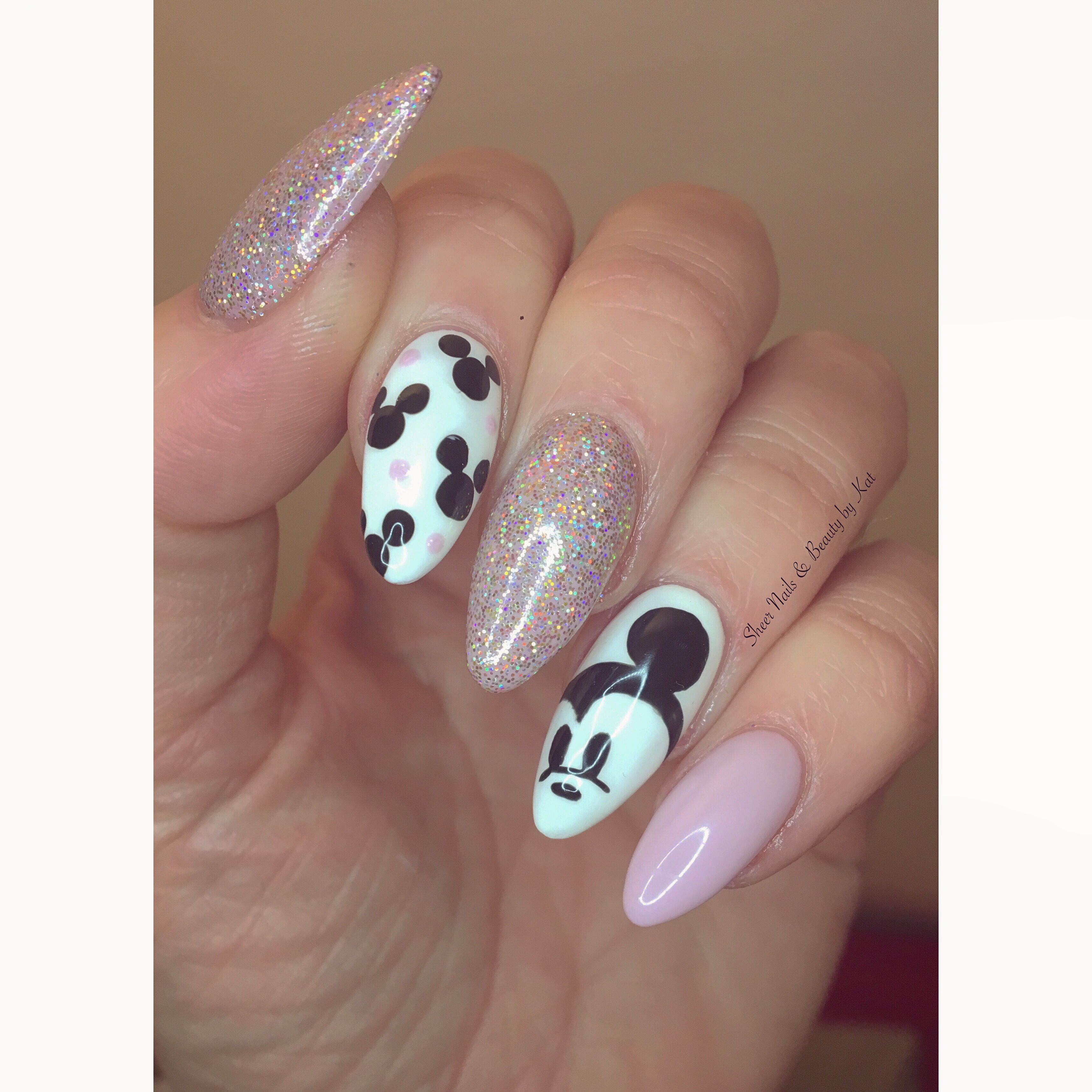 Disney Nails Gelish Pink With Magpie Glitter Amelia And Freehand Mickey Mouse Nail Art Mickey Nails Disneyland Nails Minnie Mouse Nails