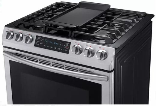 Nx58m9420ss Samsung 30 5 8 Cu Ft Slide In Gas Range With Warming Center And Griddle Stainless Steel Stainless Steel Gas Stove Flat Top Stove Kitchen Stove