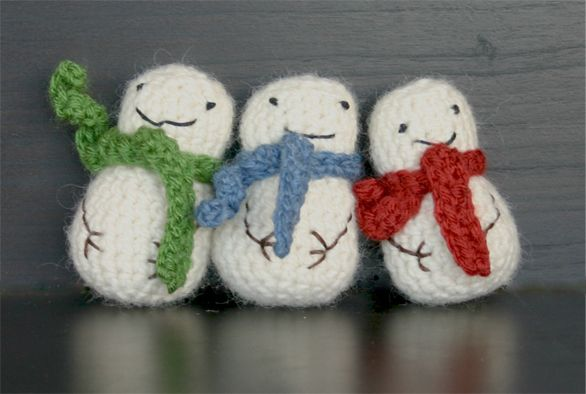 The Dapper Toad Free Mini Snowman Crochet Pattern So Cute I Paid